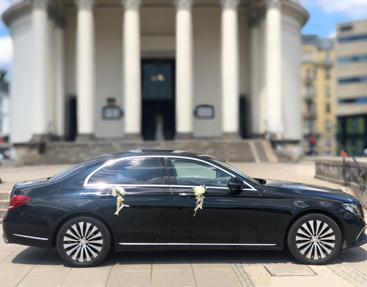 Mercedes na ślub z kierowcą
